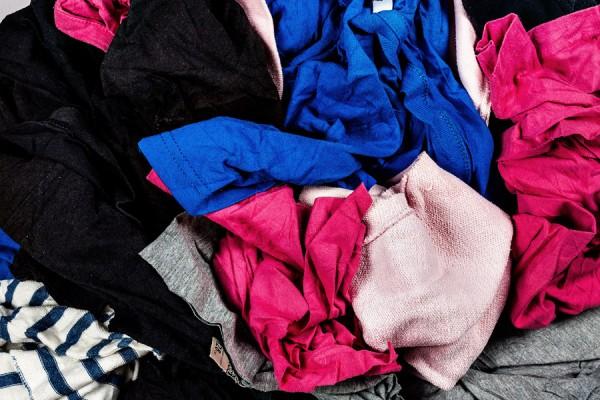 T-shirts Sweatshirts Colour